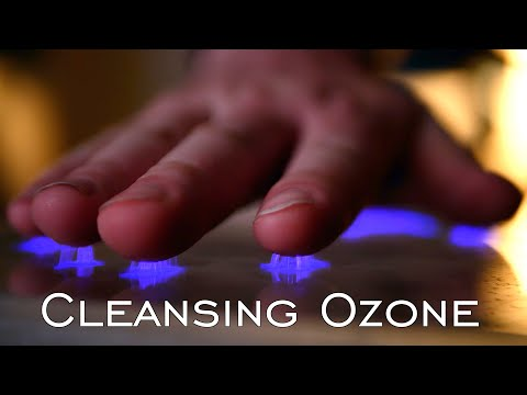 This Device Instantly Sterilizes Hands (20,000 Volt Ozone Scanner)