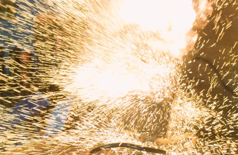 iPhone 4S Exploding in Slow Motion 1000fps