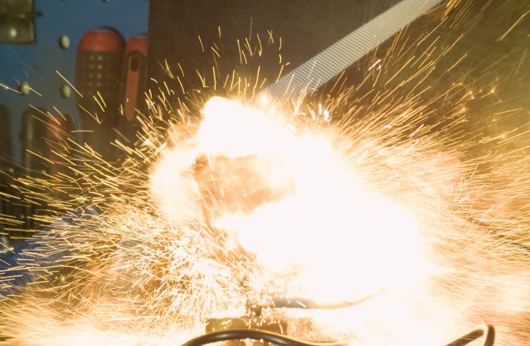Samsung Omnia Pro B7330 Explodes in Slow Motion 1000fps