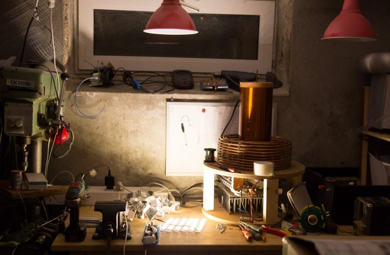 DIY 30W LED Work Lamp From a Discarded Street Light